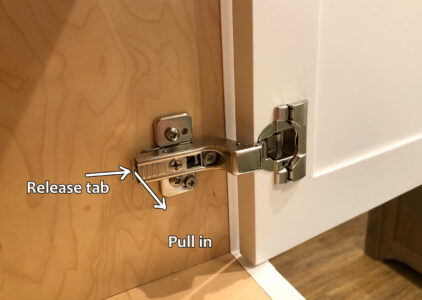 Blum hinge adjustment - Removing hinge